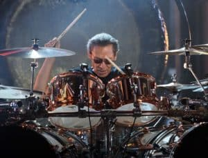 alex van halen  playing drum