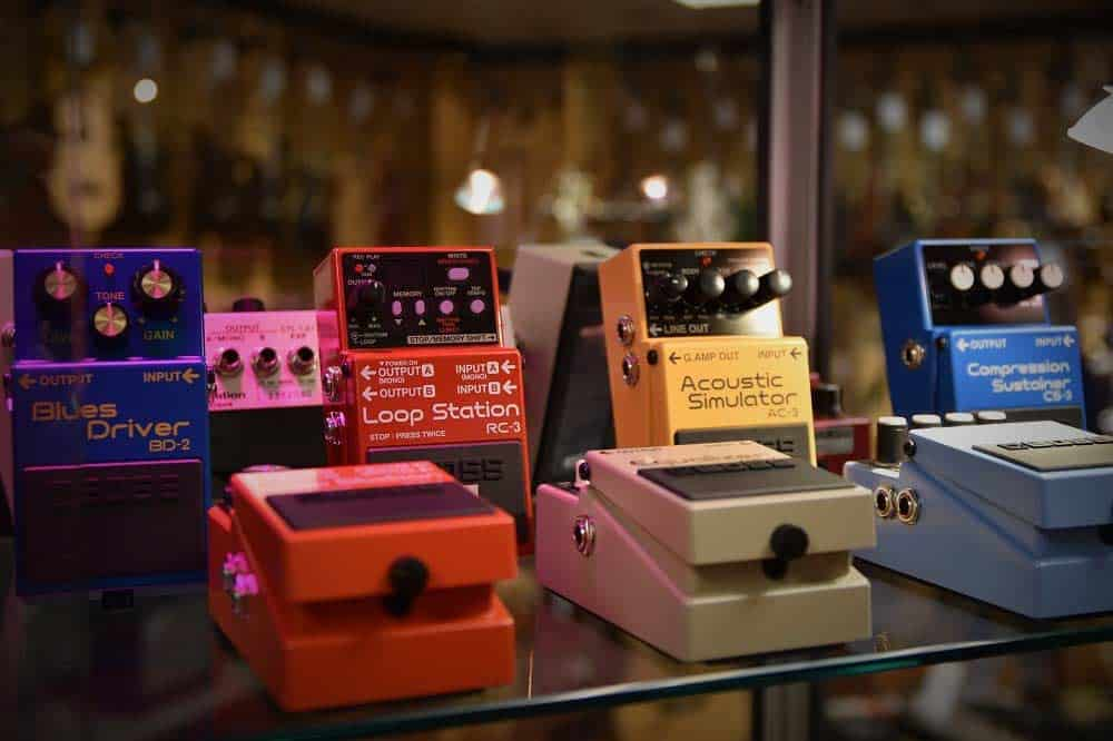 list of essential guitar pedals