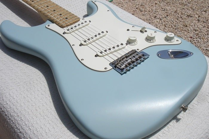 is nitrocellulose lacquer guitar finish better ?