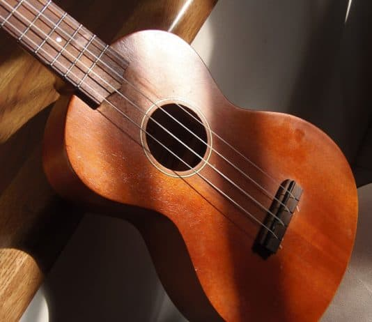 best easy songs to play on ukulele