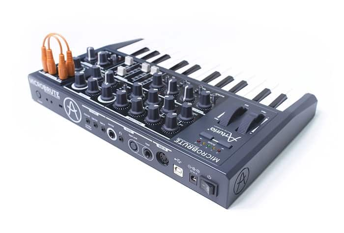 inputs and outputs are pretty much the same on the back side of MiniBrute