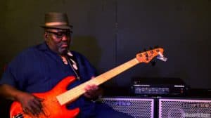 who is stevie wonder bass player