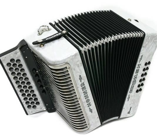 hohner corona iii review