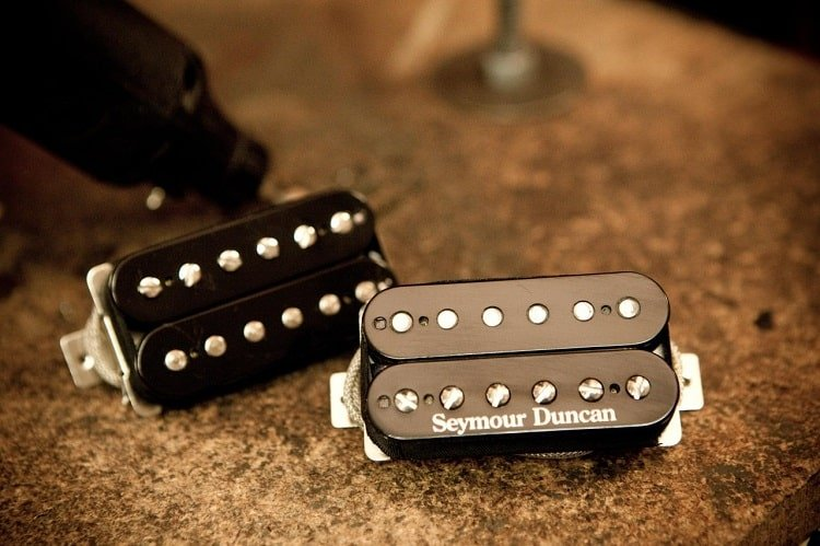 Seymour Duncan gives out the choice of selecting the pickup's position