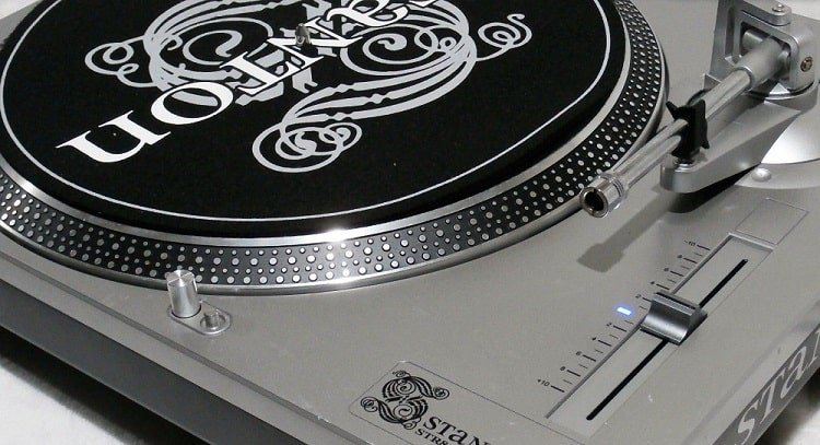 Best Turntables Under $1,000